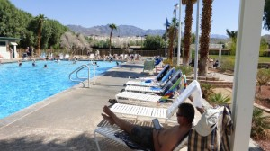 Am Pool im Death Valley
